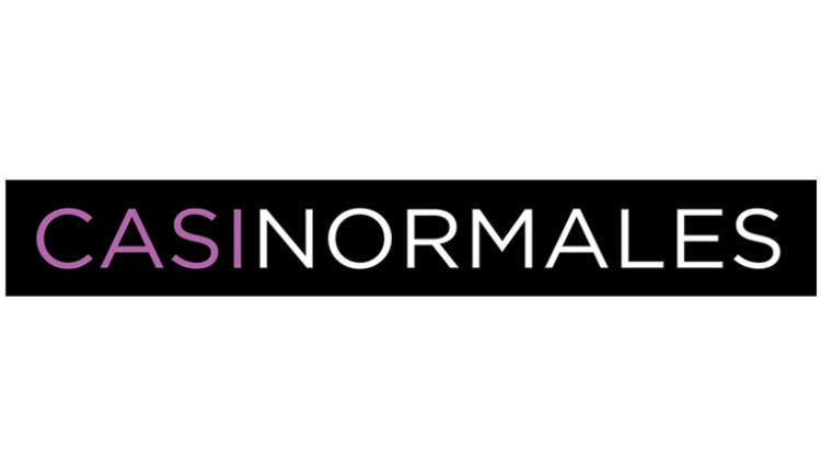 Casi Normales protagonizado por Nina, Nando González, Guido Balzaretti, Jana Gómez, Fabio Arrante y Roger Berruezo